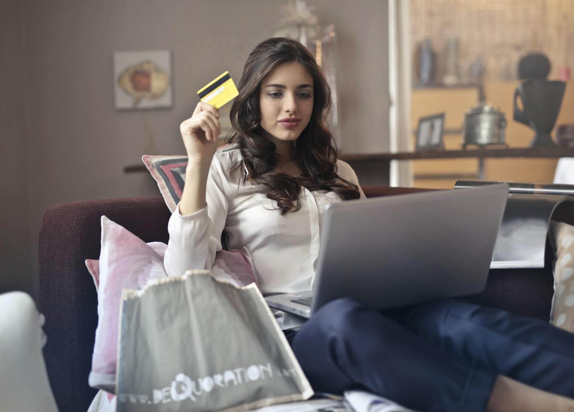 Rätt val: 7 saker du INTE får glömma innan du väljer ett kreditkort